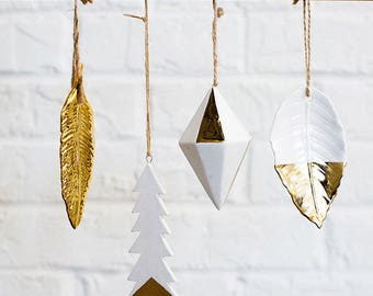 Gold Christmas Tree Ornaments, Modern Christmas Decor, Gold Decorations, Christmas Ornaments, Gold Feather Ornament, Geometric Ornament