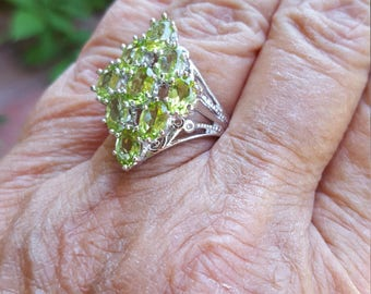 peridot ring size 7 1/2 1970's 2.25ct genuine natural peridot QUALITY SPARKLY GEMS estate vintage sterling ring