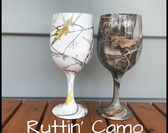 camo wine glasses fully dipped true timber snow and next rustic wedding