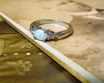 Vintage Sterling silver Opal ring