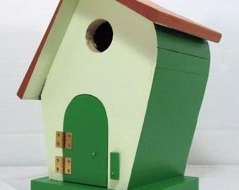 Leaner Birdhouse #622