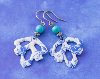 Blue and White Delft Tin Leaf Earrings with Turquoise Colored Beads, Delft Jewelry, Blue Leaf Jewelry, Cottage Chic Jewelry