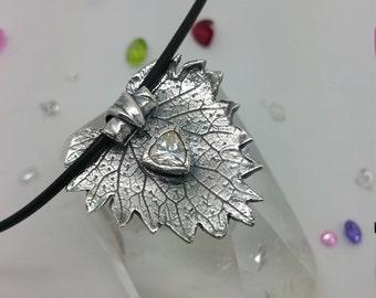 Nettle Leaf Pendant / Fine Silver 999 / PMC / PMC3 / Precious Metal Clay / Flower Pendant / Oval Pendant / Floral Pendant / Floral / Organic