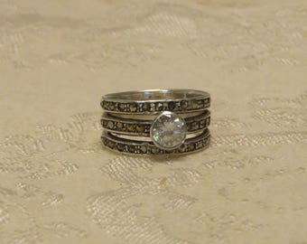 Pretty vintage Art Deco style cubic zirconia cz sterling silver marcasite band ring