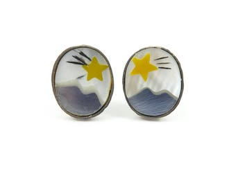 Vintage Shooting Star Earrings, Mother of Pearl, Posts, Silver Tone