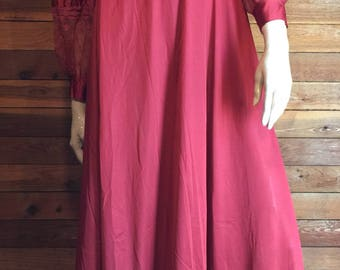 Vintage LILY of FRANCE Rosa Puleo Szule Burgundy Size Small Peignoir or Robe