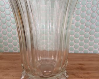 Beautiful Vintage Anchor Hocking Clear Glass Boopie Vase