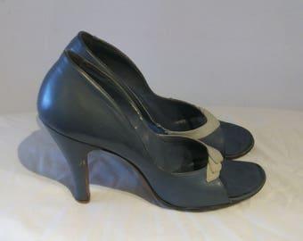 Bombshell 1950s open toe high heels, pinup silhouette US 6 1/2 narrow, UK 4 1/2 narrow