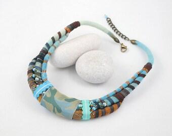 Tour de cou-Collier plastron-collier-feutre enrubanné-rubans-Turquoise-marron