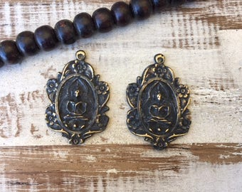 Set of 2 Thai Buddha Amulet Pendants / Thai Amulet / Amulet Pendant / Buddhist Amulet / Amulet Pendant / Amulet / Buddha Charm / BB10