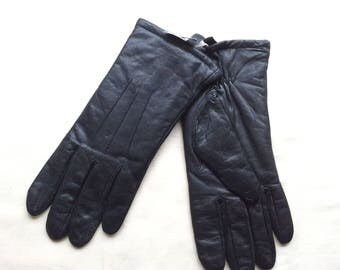Vintage Unworn leather gloves, Tierack black leather gloves, Deadstock  size ladies size M , fleecy lined leather gloves.
