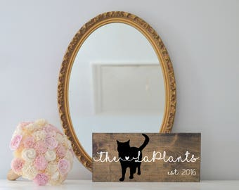Last Name Wood Sign with Cat Silhouette, Wedding Signs, Last Name, Wedding Gift, Cat Wedding Gift, Anniversary Gift, Entryway