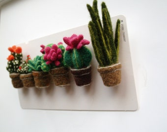 Brooch felted Cactus succulents Faux Cactus Felted plants felt flower wool cactus Needle Felt cactus ornaments Miniature plant Felt brooch