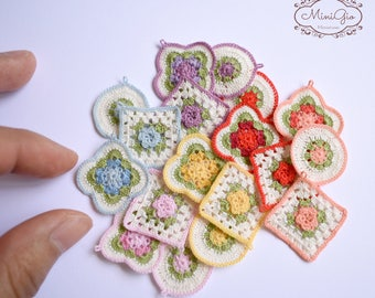 3 miniature crochet potholders or coasters for dollhouse in scale 1:12, choose your color