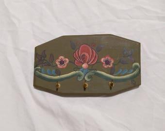 Wooden Key Holder/Vintage/hand painted/3 hook