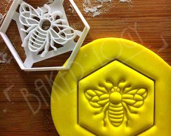 Honey Bee cookie cutter | Honeybee biscuit design | honeybees cookies cutters | bees pollen nectar insect gingerbread craft ooak | Bakerlogy