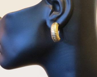 Vintage 14k Gold Ribbed Earrings, Real Gold Earrings, Gold Half Hoop Earrings