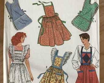 Simplicity 9807 - Cobbler and Kitched Aprons with Ruffle and Lace Trim - One Size