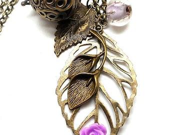 A scent! Necklace has perfume leaf, purple flower Pearl spun purple