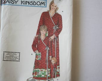 Housecoat /Robe Patterns, Mother Daughter Doll Matching Housecoats Sewing Patterns, UNCUT Simplicity 9927, Daisy Kingdom, quilted fabric