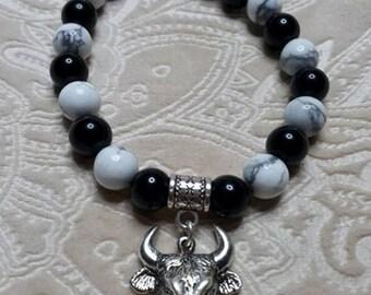 Camargue natural Onyx and Howlite Beads Bracelet