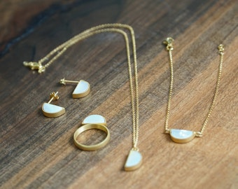 Gold jewelry set, mother pearl jewelry set, gold plated jewelry set, silver minimal jewelry set, modern jewelry set, triple jewelry set