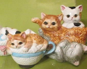 Kitty Cats  Teapot Set with Creamer  and  Sugar / Five Piece Vintage Kitchen Set / Collectible Feline  Ceramic Teapot
