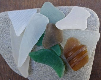 10 sea glass pieces 1''- 2''[2.5-5cm]. Genuine natural beach glass. Surf tumbled glass for various crafts and jewelry making.