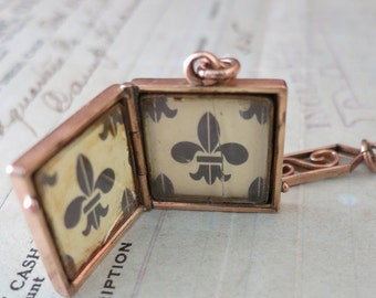 Pretty Antique Square Old Photo Locket Etched Gold Fill Vintage Picture Locket