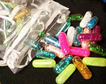 20 Glitter Pills, Organza Pouch /Sparkle Capsules Glitter Bomb Sparkly Confetti Rainbow Bachelorette Party Favor /Gag Gift/Unicorn/New Years