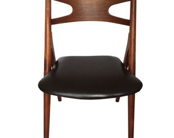 Hans Wegner CH-29 Sawbuck Chairs in Teak (6)
