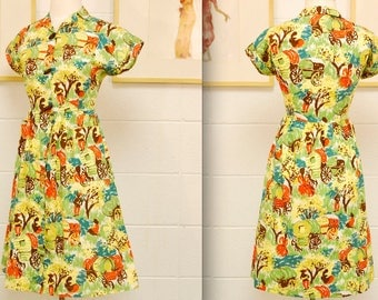 1940's Wagon Novelty Print Day Dress / World War II / Rare Collectible Retro