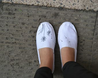 Dandelions flowers embroidered white espadrilles