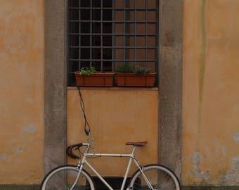 Bike in Italy: | Rome, Italy ~ Italian Street Photos ~ Trastevere Photos ~ Bike Photos