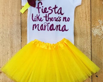 Onesie 'Fiesta Like There's No Manana' baby girl onesie, onesie sets, fiesta, birthday onesie, birthday outfit, party outfit, first birthday