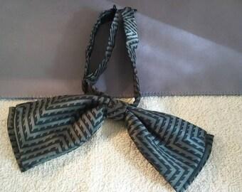Men's Bow tie.