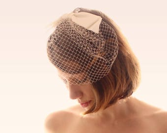 Ivory veil bow comb, Vintage wedding, 1950s bride, Large bow hair comb, Vintage ivory birdcage netting, 50's bridal hair comb