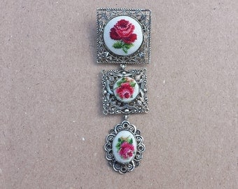 Vintage Embroidered Rose Three Part Dangle Brooch Silver Tone