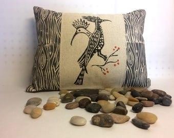 Bird Print Pillow, Roadrunner Bird Print Pillow, Desert Landscape Roadrunner Print Pillow, Wood Print Kidney Pillow, Gray Wood Print Pillow