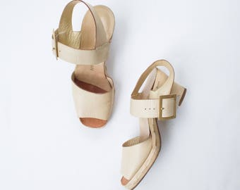 size 5 | vintage 80s champagne leather strap heels