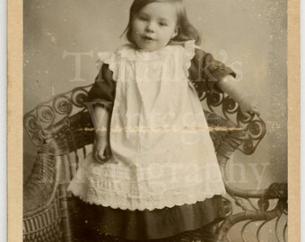 CDV Carte de Visite Photo - Victorian Cute Little Smiling Girl, Pretty White Lace Dress Portrait - Cardiff England Wales - Antique Photo