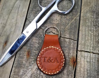 Personalised keyring Personalized leather keychain Personalised luggage tag Made with full grain leather Hand stitched Leather keyring