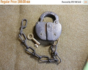Summer Sale Vintage Gulf Mobile and Ohio Railroad Lock and Key