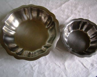 2 cups with fruit, salad bowl, Bowl, fruit salad, stainless steel,