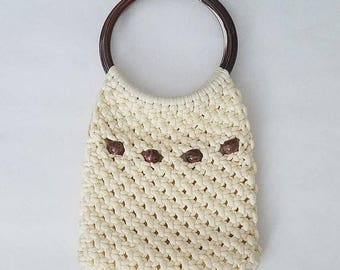 ON SALE Vintage Cream Macrame Handbag - 1970's Knit Purse with Large Round Lucite Handles - Boho Hippie Gypsy Vibes - Marbleized Brown Beads