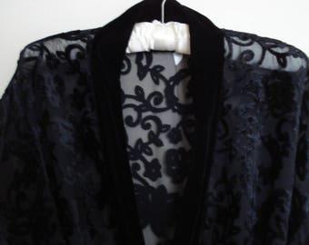 VINTAGE Victoria's Secret Black Burn-out VELVET ROBE. Sheer Full Length robe, Kimono sleeves Lounge Wrap. Size - Large.