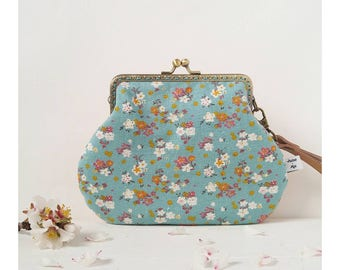 Country Lulu-colored clutch bag-girl handbag-spring handbag-wrist bag-clutch with flowers-Provencal fabric-Pursemoi