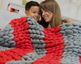 Giant Chunky Blanket. Knitted Chunky Throw Afghan. Pure Wool Blanket. Bulky Knit Throw. Extreme Knitting. M052