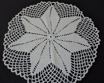 French vintage hand made white crochet doily   (05582)