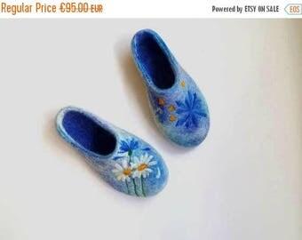 Women Felt slippers with flowers Wedding slippers Unique Sentimental felt gifts for wife Girlfriend Gift idea